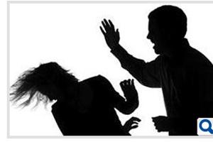 পাঁচ টাকার জন্য স্ত্রীকে পিটিয়ে হত্যা