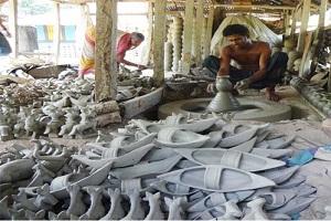 বৈশাখী মেলার জন্য ব্যস্ত চাঁদপুরের কুমারপাড়া