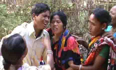 পঞ্চগড়ের বিলুপ্ত ছিটমহলের ৪৮ জন নাগরিক ভারতে গেলেন