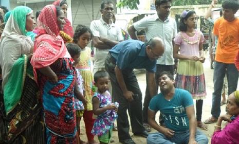 চাঁপাইনবাবগঞ্জে স্কুলছাত্রীকে কুপিয়ে হত্যা