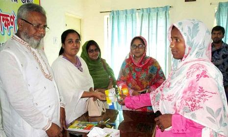 নন্দীগ্রামে দুস্থ নারীদের সেলাই প্রশিক্ষণ উদ্বোধন