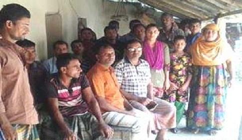 পীরগঞ্জে পুলিশের ভয়ে ৫ পরিবার বাড়ী ছাড়া