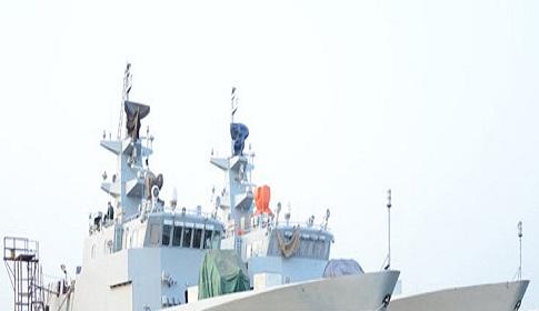 নৌবাহিনীর বহরে নতুন দুই যুদ্ধজাহাজ