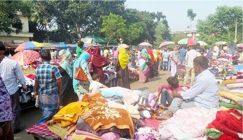 টাঙ্গাইলে শীতের শুরুতেই জমে উঠেছে নিন্মবিত্তের বাজার
