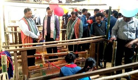 দুর্গাপুর বিরিশিরি তাঁত শিল্পের নতুন ভাবে যাত্রা শুরু