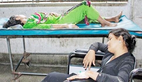 ঝিনাইদহ মা ও শিশু কল্যাণ কেন্দ্রে রোগী আছে ডাক্তার নাই