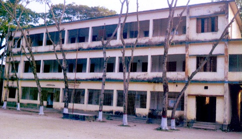 কেন্দুয়ায় জয়হরি স্প্রাই সরকারি উচ্চবিদ্যালয় ৮ মাসই পরীক্ষাকেন্দ্র