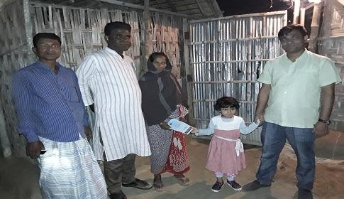 বিধবার দুয়ারে সৈয়দপুরের ইউএনও