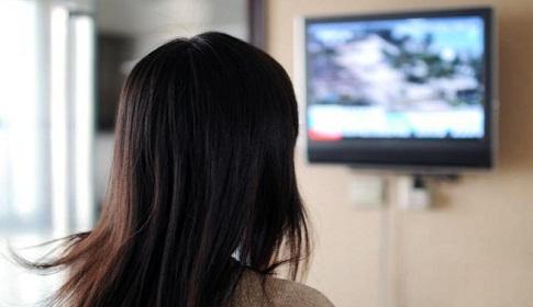 সাড়ে ৩ ঘণ্টার বেশি টিভি দেখলে হৃদরোগ- ক্যান্সারের ঝুঁকি