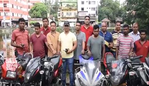 কুমিল্লায় বিশেষ অভিযানে ৭ ছিনতাইকারী আটক