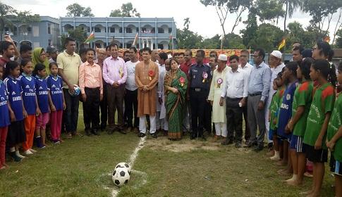 কালিহাতীতে বঙ্গবন্ধু-বঙ্গমাতা ফুটবল টুর্ণামেন্টের ফাইনাল খেলা