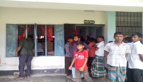 গোবিন্দগঞ্জে ছাত্রীকে যৌন হয়রানীর অভিযোগে শিক্ষক বরখাস্ত