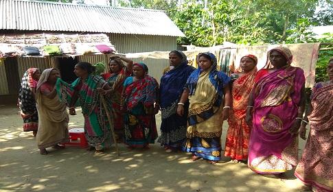 প্রধানমন্ত্রীর প্রকল্পের নামে কালিহাতীতে দালালদের প্রতারণা