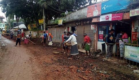 বাগেরহাট- টুঙ্গিপাড়া অঞ্চলিক মহাসড়কে নির্মাণ কাজ শুরু