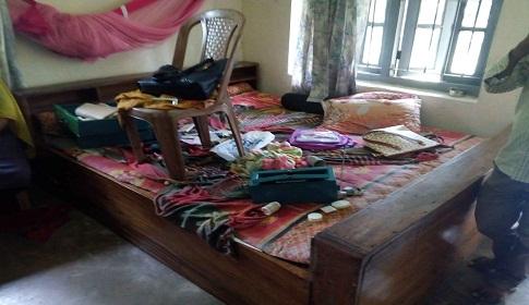 মির্জাগঞ্জে অফিসার্স কোয়ার্টারে দিনে-দুপুরে চুরি