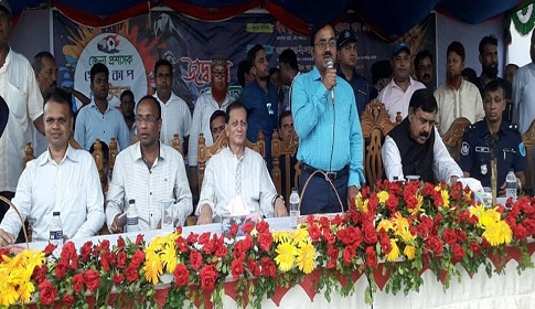 মাদারীপুর জেলা প্রশাসক গোল্ডকাপ উদ্বোধন করলেন নৌমন্ত্রী