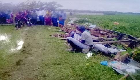 দেলোয়ার মাঝীর ঘর-বাড়ী ভাংচুর করায় আদালতে মামলা