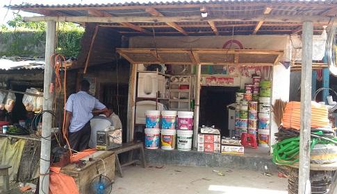 গৌরীপুরে সওজ'র কোটি টাকা জায়গা দখল করে দোকান নির্মাণ