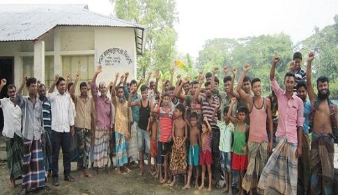 গৌরীপুরে কালভার্ট বন্ধ করায় জলাবদ্ধতায় অর্ধশত কৃষকের ফসল বিনষ্ট