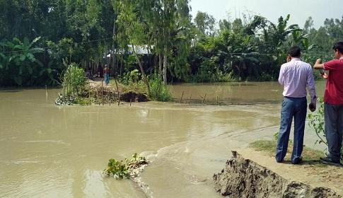 গাইবান্ধায় নিম্নাঞ্চল প্লাবিত, আতঙ্কিত এলাকাবাসী