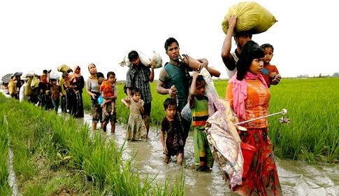 'বাংলাদেশে ঢোকার অপেক্ষায় আরও ৫ লাখ রোহিঙ্গা'
