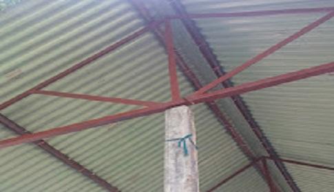 রানীশংকৈলে বসত ঘর নির্মাণ প্রকল্পে এক রডের পিলারে অসন্তোষ