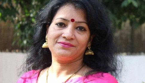 স্বেচ্ছায় ভারতে, সাজালো অপহরণ নাটক