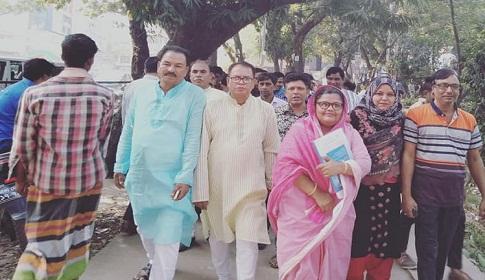 শরীয়তপুর-২ : আ.লীগের মনোনয়ন ফরম জমা দিয়েছেন জোবায়দা হক