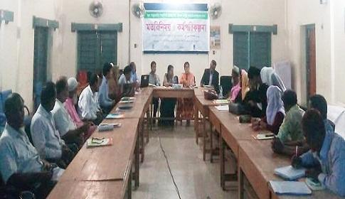 কেন্দুয়ায় স্কুলে ঋতুকালীন স্বাস্থ্যবিধি ব্যবস্থাপনা বিষয়ে মতবিনিময়
