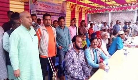 নওগাঁয় হুইপ শহীদুজ্জামান সরকারের বিরুদ্ধে বিধি লঙ্ঘনের অভিযোগ