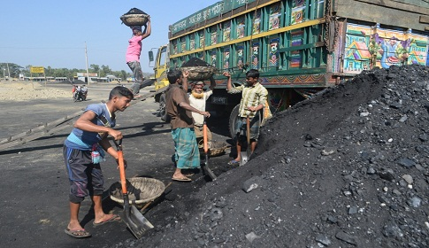 সরকারি পৃষ্ঠপোষকতা না থাকায়কড়ইতলী-গোবরাকুড়া স্থলবন্দরের উন্নয়ন ব্যাহত