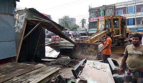 টাঙ্গাইলে যানজট নিরসনে অবৈধ স্থাপনা উচ্ছেদ শুরু