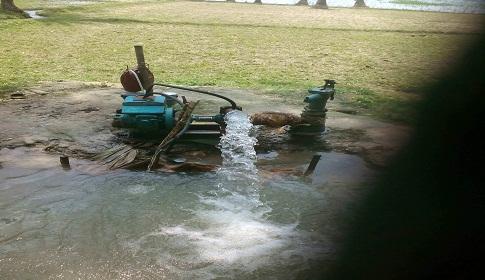 সরকারি খাল ও কৃষকের ৪০০ বিঘা জমি দখল করে মাছের ঘের