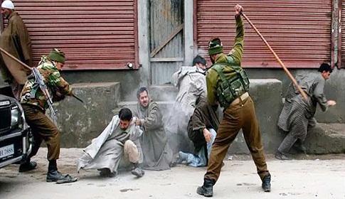 উত্তপ্ত কাশ্মীর : সেনাবাহিনীর গুলিতে নিহত ৬