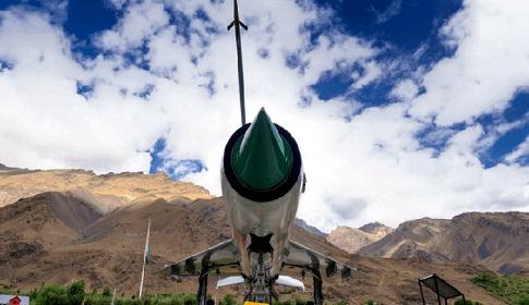 যুদ্ধে জড়াচ্ছে ভারত-পাকিস্তান?