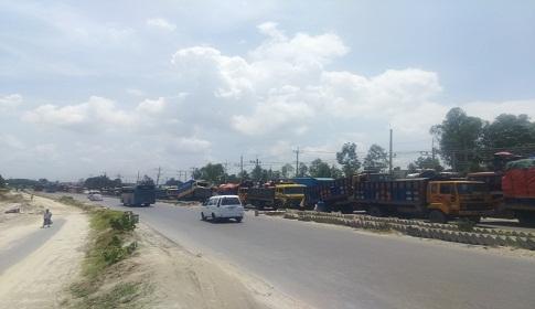 ঢাকা-টাঙ্গাইল মহাসড়কে ৪৫ কিলোমিটার যানজট