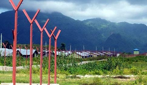 মিয়ানমার রোহিঙ্গাদের গ্রাম ধ্বংস করে সরকারি ভবন বানাচ্ছে