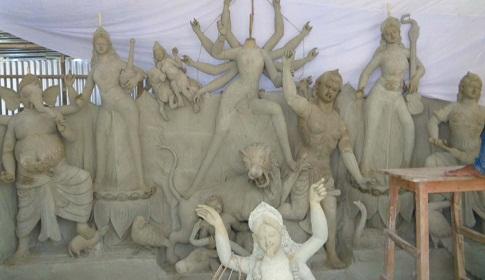 সাতক্ষীরায় নির্মাণাধীন দুর্গা প্রতিমা ভাঙচুর