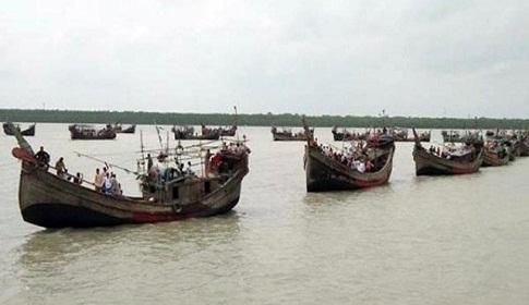 বাংলাদেশ জলসীমায় মাছ শিকার, ২ ট্রলারসহ ২৩ ভারতীয় জেলে আটক