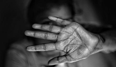 করোনার কারণে নারী নির্যাতন বেড়েছে : জাতিসংঘ