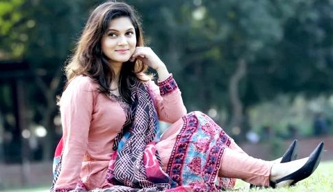 দুই বাংলার চলচ্চিত্র নিয়ে হাজির মিথিলা