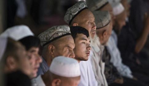 উইঘুর নির্যাতন : চীনের ওপর নিষেধাজ্ঞার অনুমোদন মার্কিন কংগ্রেসে