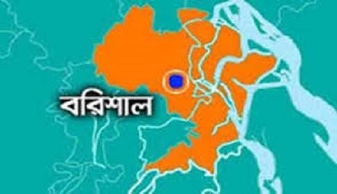 গৌরনদীতে গ্রাম্য আদালতে হামলা নারীসহ ৩ জন আহত