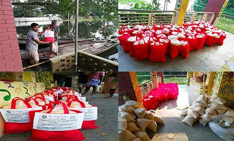 টাঙ্গাইলে জাবি'র JU Solidarity এবং ইচ্ছা'র উদ্যোগে ত্রাণ বিতরণ