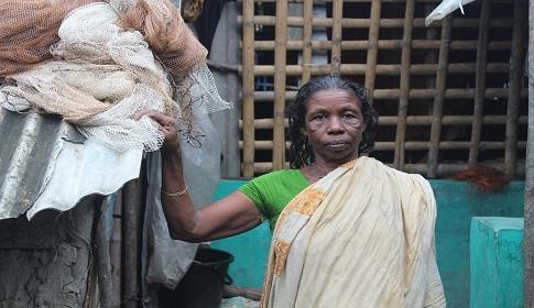 জীবনযুদ্ধে লড়াকু সৈনিক শ্যামনগরের সোনামনি