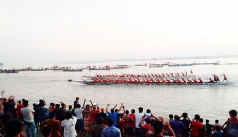 রাজারহাটে বসুনিয়া স্মৃতি নৌকাবাইচ প্রতিযোগিতায় দূরন্ত চিতা চ্যাম্পিয়ন