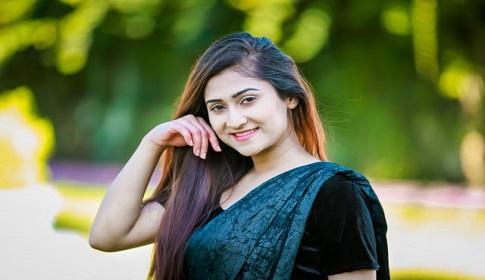 নাটকেই স্বাচ্ছন্দ্যবোধ করি : সামিনা বাশার