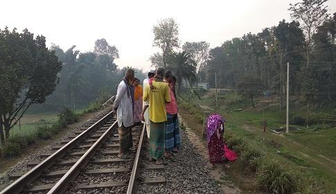 টাঙ্গাইলে ট্রেনে কাটা পড়ে অজ্ঞাত নারীর মৃত্যু