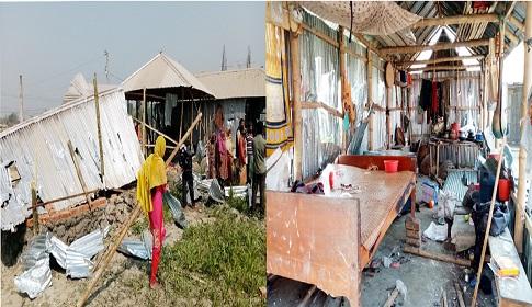 গোবিন্দগঞ্জে জমি নিয়ে বিরোধে প্রতিপক্ষের হামলা : বাড়ি ভাংচুর, অগ্নিসংযোগ
