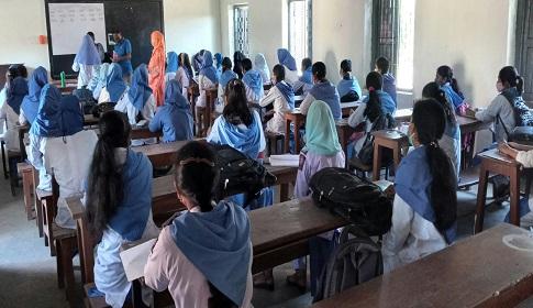 দেড় বছর পর শিক্ষা প্রতিষ্ঠান খোলা পঞ্চগড়ের হালচাল